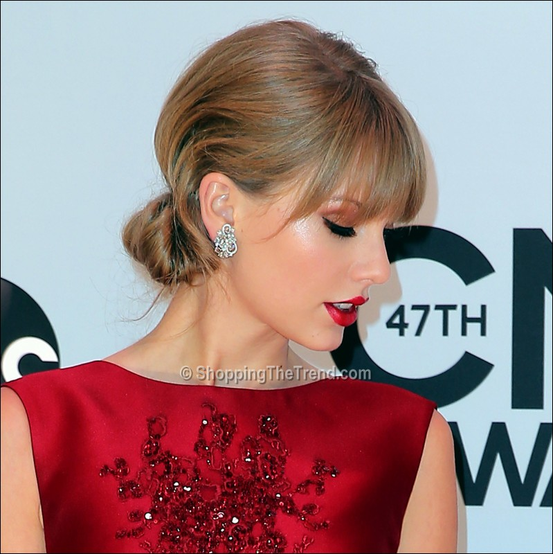 Taylor Swift Hair Amp Makeup Cma Awards 2013