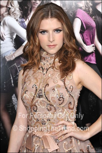 Anna Kendrick In Zuhair Murad Amp Brittany Snow Pitch