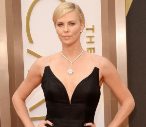 Charlize Theron in Dior, Julia Roberts & more in black - Oscars 2014