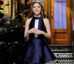 Anna Kendrick dress on SNL by kate spade