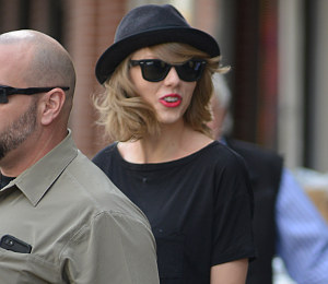 Get the Look: Taylor Swift black dress & fedora - NYC Street Chic!