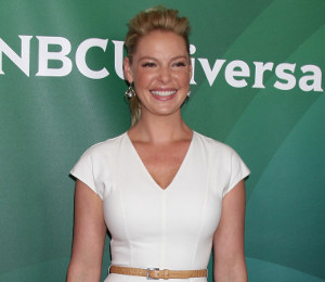 Katherine Heigl Michael Kors white dress at NBCUniversal Press Tour