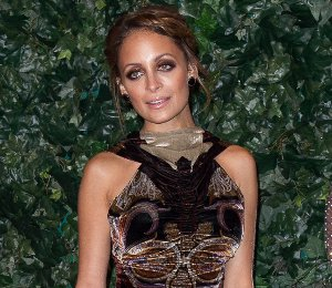 Nicole Richie in Etro & House of Harlow - QVC Red Carpet Style