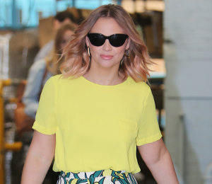 Kimberley Walsh yellow tee & floral culottes on ITV 'This Morning' - high street chic!
