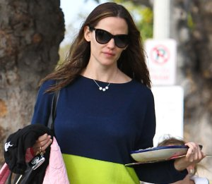 Jennifer Garner in 360SWEATER