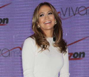 Jennifer Lopez in Louise Goldin - Viva Movil announcement