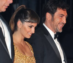 Image showing Shop Penelope Cruz L'Wren Scott gold dress - 'Skyfall' World Premiere
