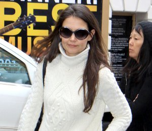 Image showing Shop Katie Holmes Alexander McQueen cream cable knit sweater - NY Street Chic
