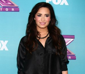 Image showing Shop Demi Lovato Topshop top & skirt - X Factor Finals press conference