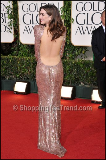 anne hathaway backless dress golden globes