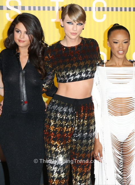 taylor-swift-ashish-cropped-top-vmas-2015-(3)