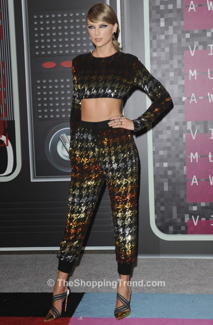 taylor-swift-sequin-crop-top-vmas-1