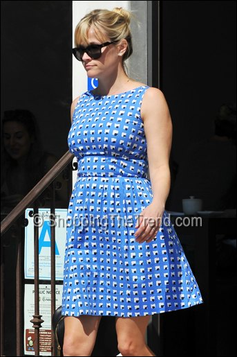 reese witherspoon blue dress march 2012