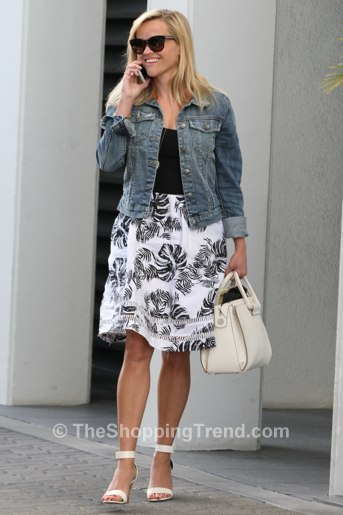 Street Style Reese Witherspoon Joa Black Amp White Skirt