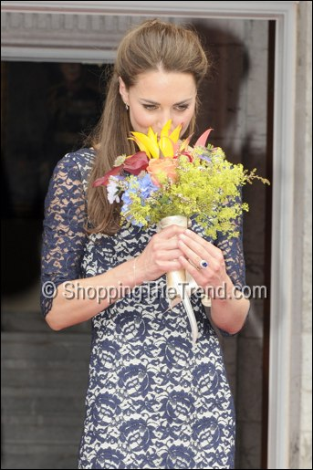 kate middleton blue lace dress