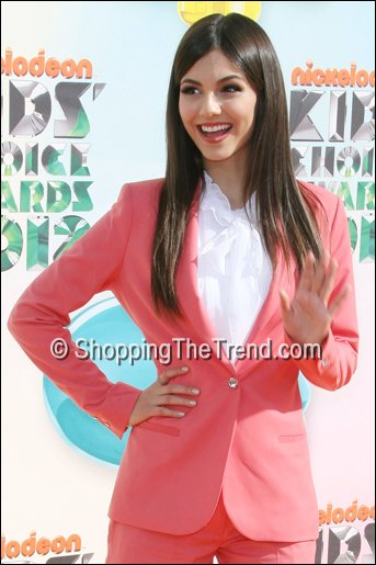 victoria justice shorts suit kids choice awards