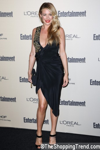 Pregnant Cat Deeley in Marchesa dress