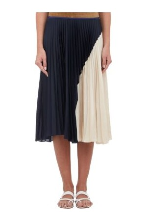 747aa68cd Kelly Ripa red & pink pleated skirt on LIVE! by Theory