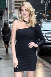 Kate Upton Letterman Feb 11 black dress